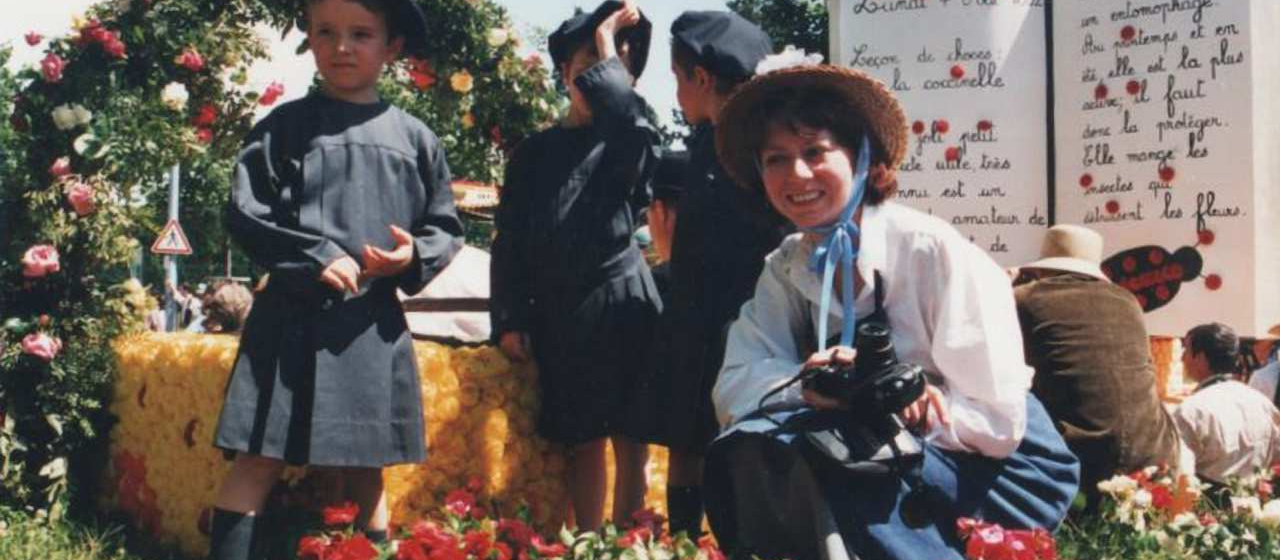 Le char de l'école Pasteur lors du Corso fleuri organisé en 1997