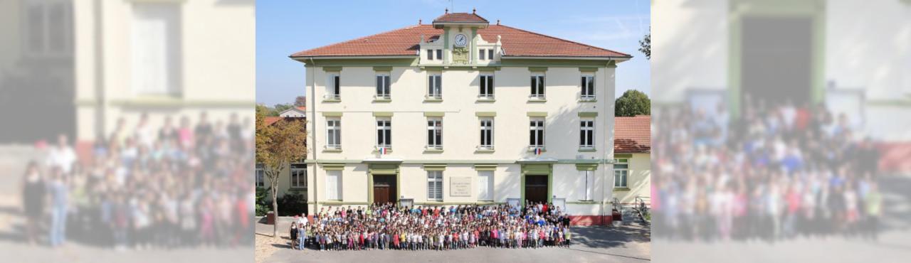 Ecole du Centre de Vénissieux pour ses 100 ans en 2011