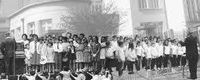 La chorale de M.Patras de l'école Pasteur