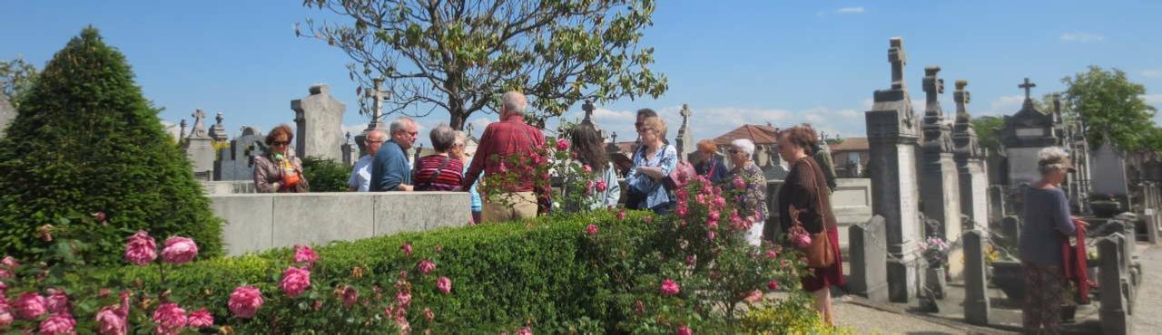 Visite de l'ancien cimetière